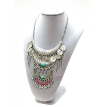 collier plastron ethnique statement necklace