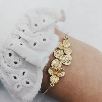 bijou tendance bohème plaqué or bracelet bille fleurs porté
