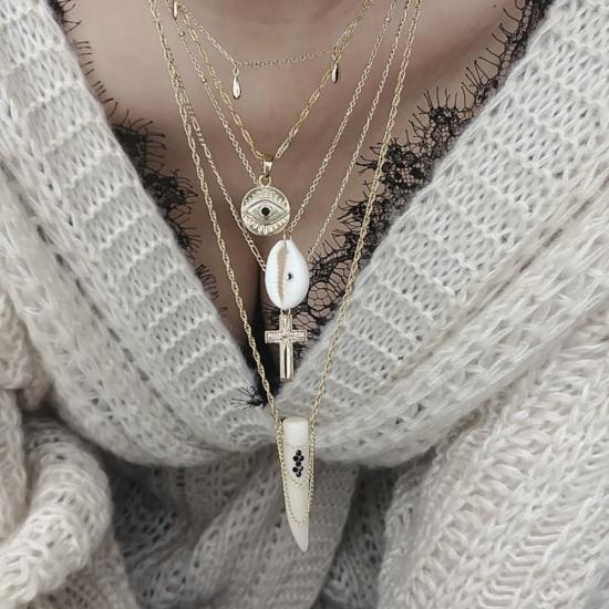 bijou tendance de créateur fait main bague chaine coeur plaqué or collier corne os cristal swarovski accumulation de colliers