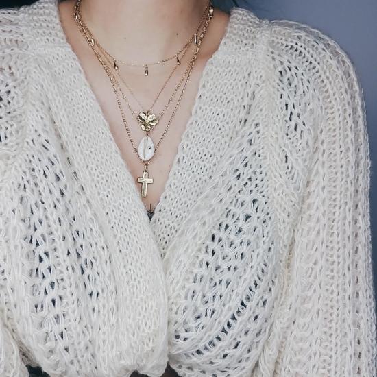 bijou tendance collier plaqué or pendentif fleur zircon accumulation et superposition de colliers