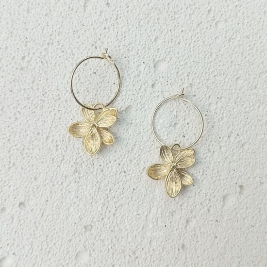 bijoux boucles d'oreilles plaqué or petites créoles fleur