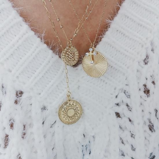 bijou tendance bohème collier plaqué or médaille soleil ethnique porté collier cravate