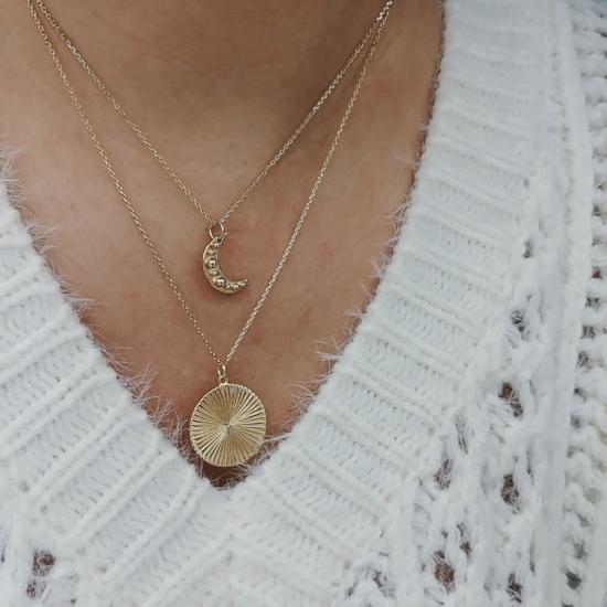 bijou tendance bohème collier plaqué or médaille soleil ethnique porté collier pendentif lune soleil