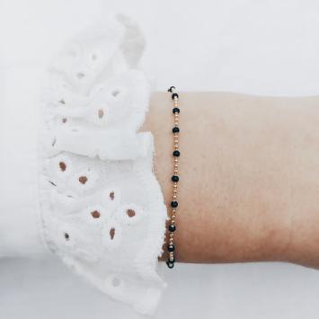 bijoux tendance bohème plaqué or bracelet bille perle noir email porté