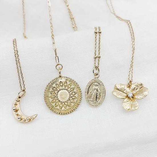 bijou tendance bohème collier plaqué or médaille soleil ethnique pendentifs