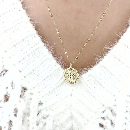 bijou tendance bohème collier plaqué or médaille soleil brillant chaine maille boules pull blanc