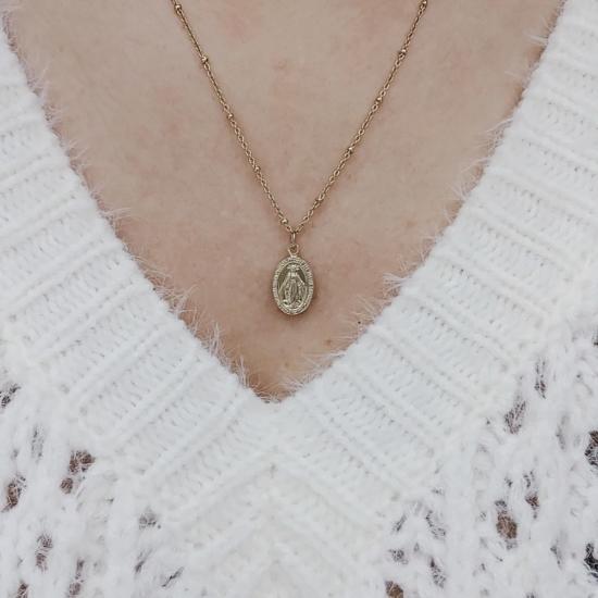 bijoux tendance bohème collier médaille miraculeuse sainte vierge marie plaqué or maille boule porté