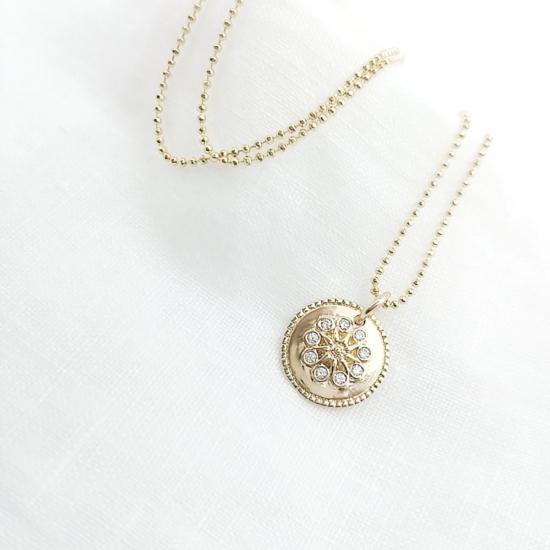 bijou tendance bohème collier plaqué or médaille soleil brillants