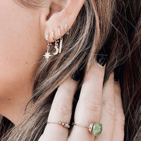 bijoux boucles d'oreilles plaqué or petites créoles galaxie étoile scintillante lune accumulation