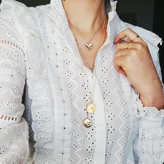 bijou tendance bohème collier plaqué or médaille soleil ethnique porté collier cravate médaille porté blpuse
