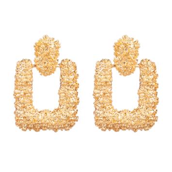 grosses boucles d'oreilles dorées glamour baroque
