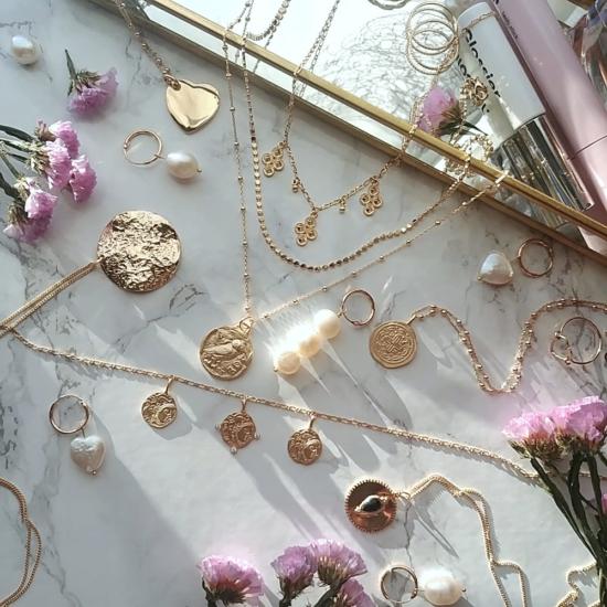 bijoux créateur tendance bohème collier plaqué or médaille pièce antique