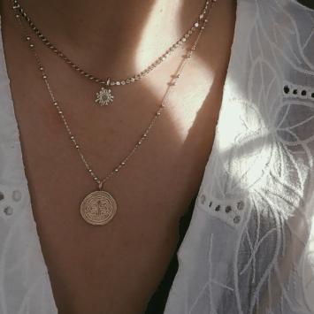 bijoux créateur collier plaqué or médaille antique croix
