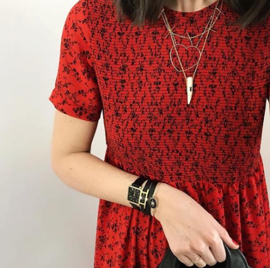 bijou tendance de créateur fait main plaqué or collier corne os cristal look instagram flavie robe rouge