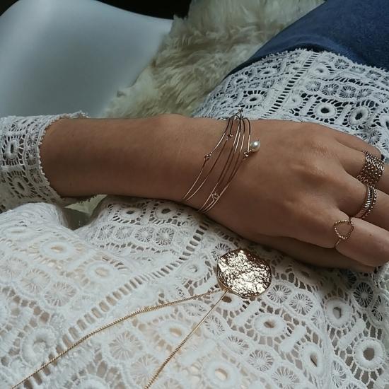 bijoux créateur tendance fait main handmade long collier sautoir grosse médaille martelée gondolée plaqué or jonc semainier
