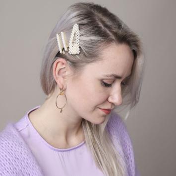 barrette perles brodées tendance accessoire cheveux porté idée coiffure
