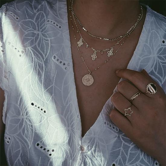 bijoux créateur collier plaqué or médaille antique croix bague étoile lettre à graver