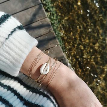 bijoux créateur tendance bohème 7 bracelet jonc semainier plaqué or coquillage cauri