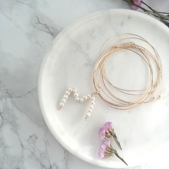 bijoux créateur tendance bohème 7 bracelet jonc semainier plaqué or lettre perles