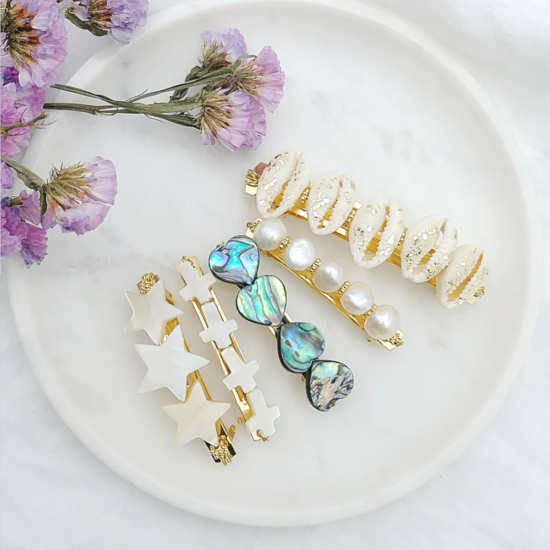 barrette croix nacres perles tendance accessoire cheveux fait main en france
