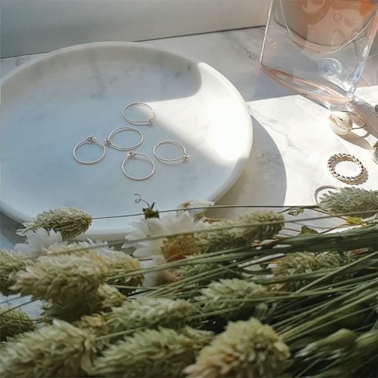bijoux tendance de créateur fait main plaqué or bague anneaux fins et simples