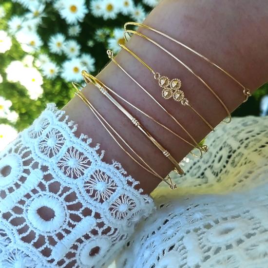 bijoux créateur tendance bohème bracelet jonc plaqué or croix