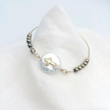 bracelet jonc perle croix pierre fine gemme hématites doré fait main bijoux créateur tendance rock chic