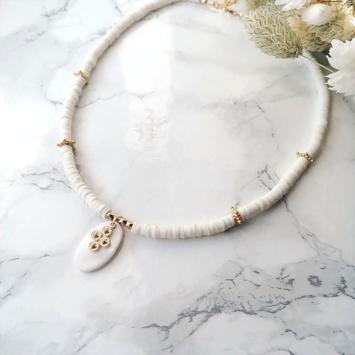 collier heishi surfeur blanc pendentif croix perles bohème plaqué or fait main créateur france
