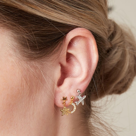 petites boucles puces pendantes etoile et lune brillantes idée look accumulation boucles d'oreilles or bijoux tendance