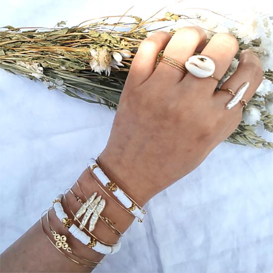 bijoux créateur tendance bohème bracelet heishi surfeur jonc perle plaqué or bague coquillage cauri perle croix