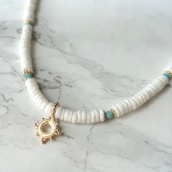 collier heishi surfeur coquillage pierre gemme blanc pendentif perles bohème plaqué or fait main créateur france