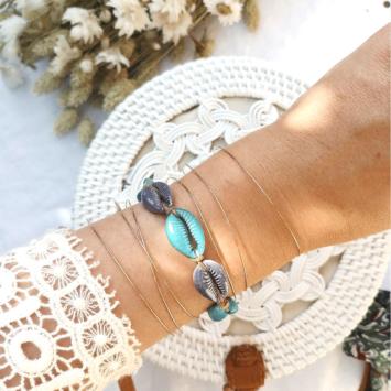 bracelet tendance coquillage cauri bleu macramé joncs fin semainier destroy