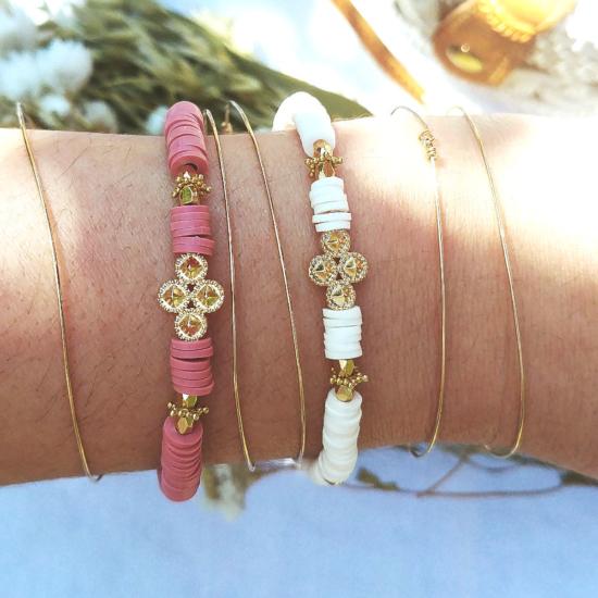 bracelet heishi surfeur blanc et rose perles bohème plaqué or fait main créateur france look bracelets de l'été croix or bohème