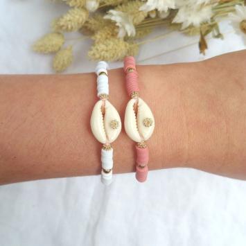 bracelet heishi surfeur blanc et rose coquillage cauri perles bohème plaqué or fait main créateur france look bracelets de l'été
