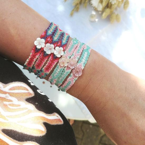bracelet brésilien tendance été fleur nacre rose