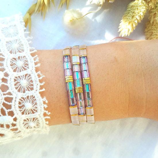 accumulation bracelets tendance perles plates en verre carrées japonaises miyuki or rose et blanc et multicolore bijoux créateur france fait main