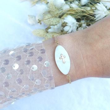 bracelet nacre et croix