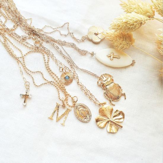 colliers tendance bohème pendentifs grigris plaqué or