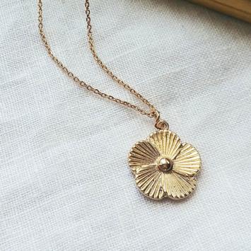 bijoux tendance collier plaqué or pendentif fleur