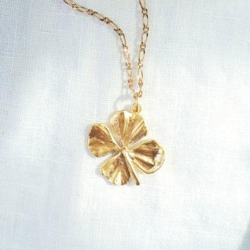 bijoux tendance collier plaqué or pendentif trèfle à quatre feuilles porte-bonheur