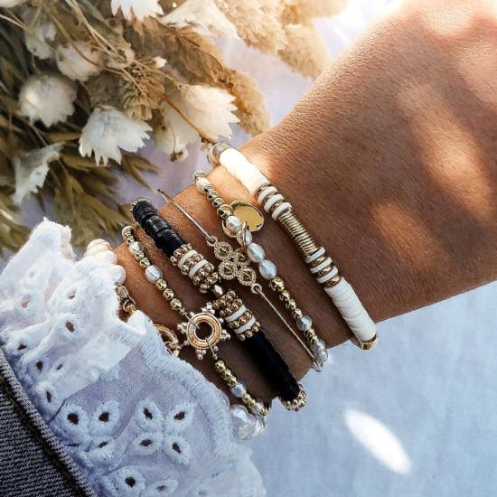 bracelets tendance fait main bracelet heishi surfer bohème bracelet perles eau douce blanches bijoux créateur