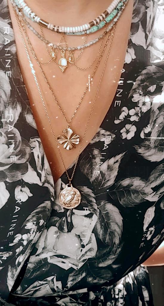 Accumulation collier tendance éte heishi pierre semi précieuse or bohème fait main bijoux créateur france