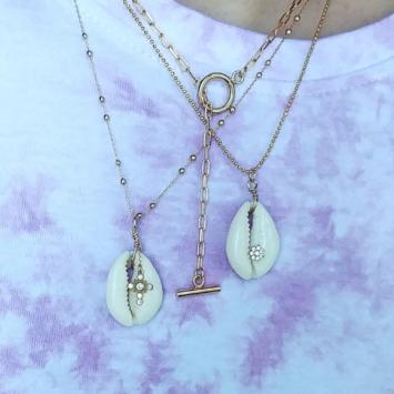 Accumulation collier tendance éte coquillage cauri cowrie collier grandes mailles XL or bohème fait main bijoux créateur france