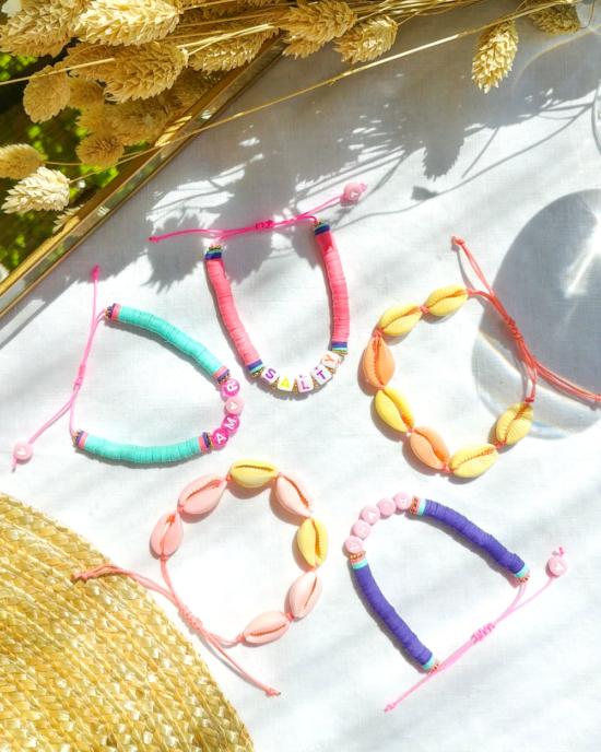 bracelets tendance heishi surfer coquillage cauri rose jaune fait main bijoux créateur
