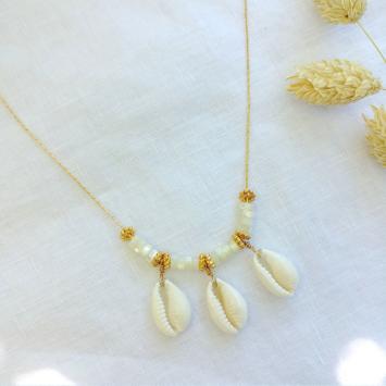 collier tendance coquillage 3 cauri or et nacre fait main bijoux créateur made in france