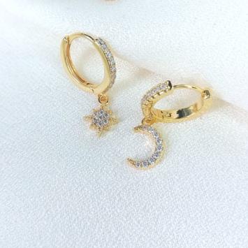 bijoux boucles d'oreilles plaqué or petites créoles galaxie lune et etoile scintillante accumulation