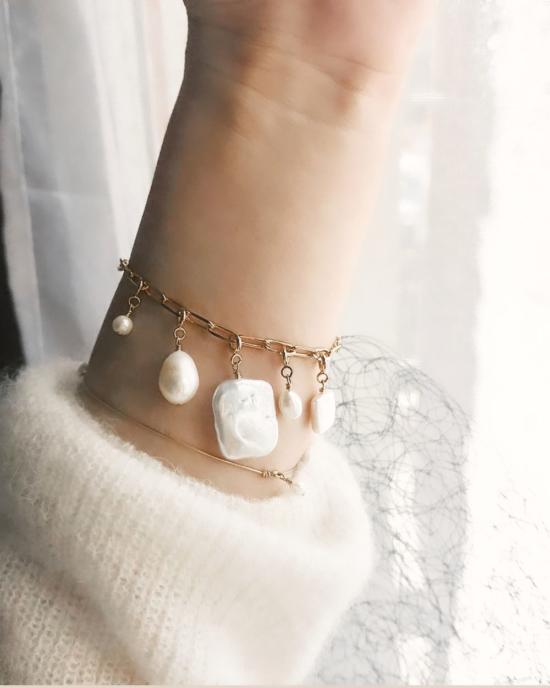 bracelet grosse maille xl gros maillons et charm's breloque à attacher perle eau douce tendance néo bourgeoise or gold filled bijoux tendance fait main france créateur