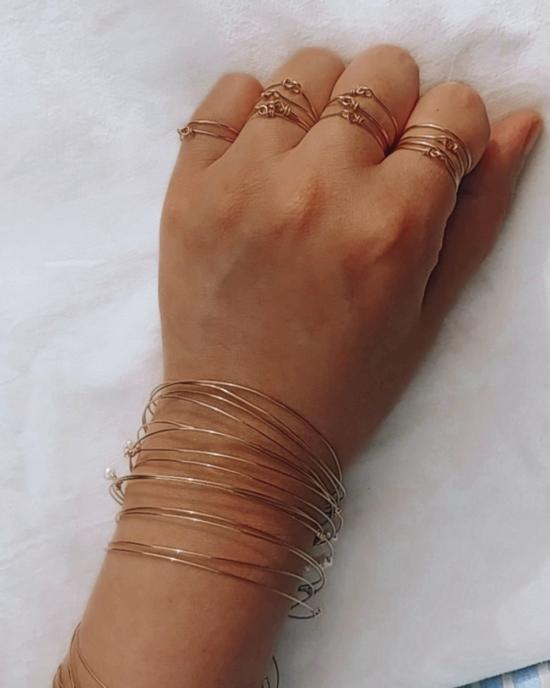 bague bracelet semainier simple fin gold filled anneau perle bijoux à accumuler créatrice fait main france