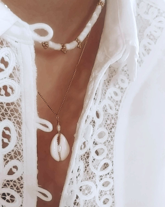 collier tendance été summer coquillage cauri or fait main bijoux créateur made in france